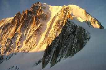 Gray Line Chamonix Mont Blanc Half-Day Trip With Cable Car & Mountain Train From Geneva