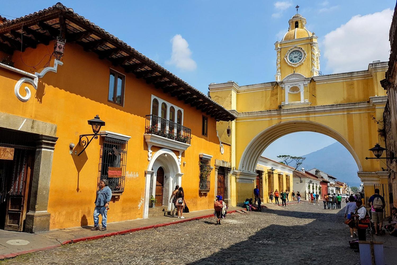 Combo: Antigua Guatemala & Hot Springs