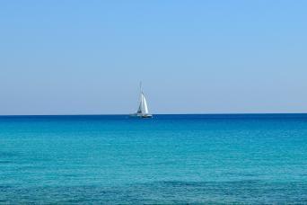 Gray Line Sail by Catamaran to Isla Mujeres