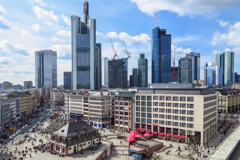 Frankfurt Hop-On Hop-Off Skyline Tour
