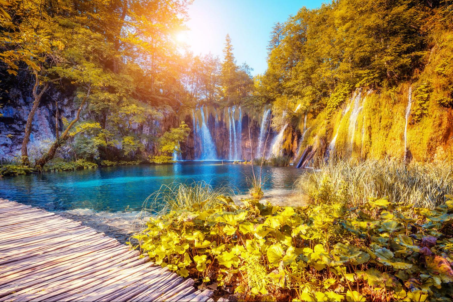 Plitvice Lakes National Park Guided Tour from Split and Trogir