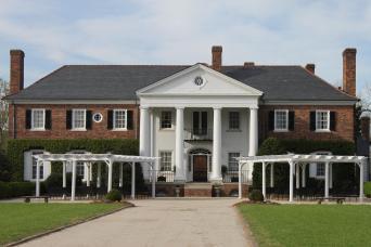 Gray Line Boone Hall Plantation Tour From Charleston