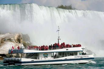 Gray Line Niagara Falls Evening Light Freedom Tour with Boat