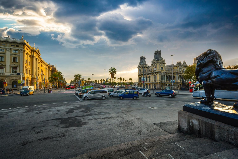 Hop-On Hop-Off Barcelona - Bus & Boat Tour