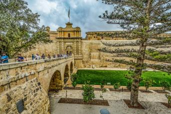 Gray Line Full-Day Tour to Mosta, Crafts Village, Mdina & Valletta