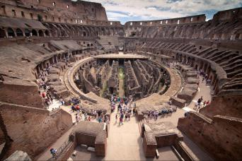 Gray Line Small Group Colosseum, Roman Forum and Palatine Hill with pick up or meeting point