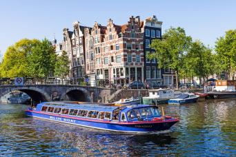 Gray Line Canal Cruise with coffee & stroopwafel from dock at Heineken Experience