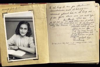 Gray Line Anne Frank Story & Neighbourhood Walking