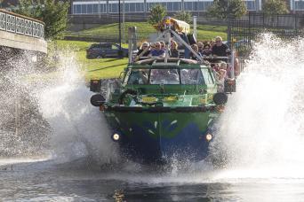Gray Line Harbour Hopper