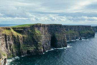 Gray Line Wild Atlantic Way & Cliffs of Moher Day Tour