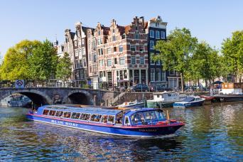 Gray Line City Canal Cruise - Dock Heineken Experience