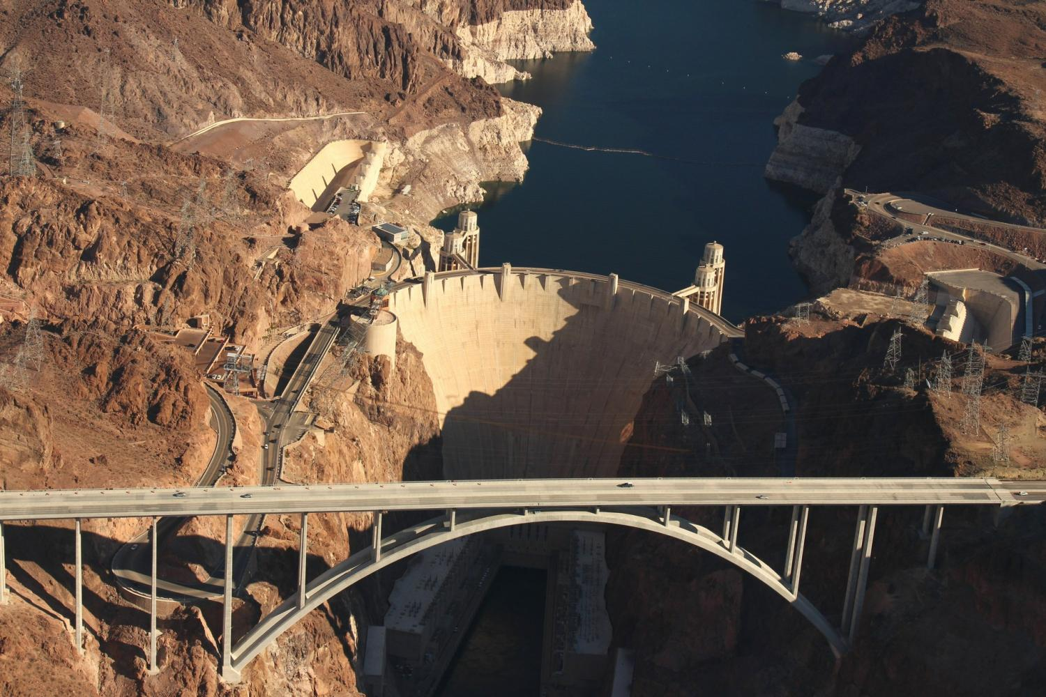 Hoover Dam Tours >> Hoover Dam Deluxe Tour With Helicopter Flight Las Vegas United