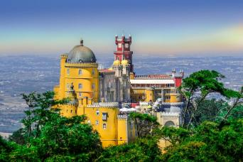 Gray Line Sintra Region Deluxe Tour From Lisbon