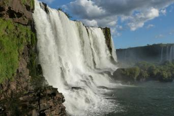 Gray Line Iguazu Falls Full Day - Argentina and Brazil Sides