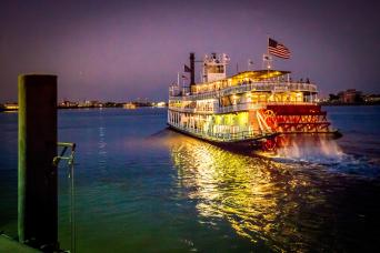 Gray Line New Orleans Steamboat Natchez Evening Jazz Cruise With Dinner