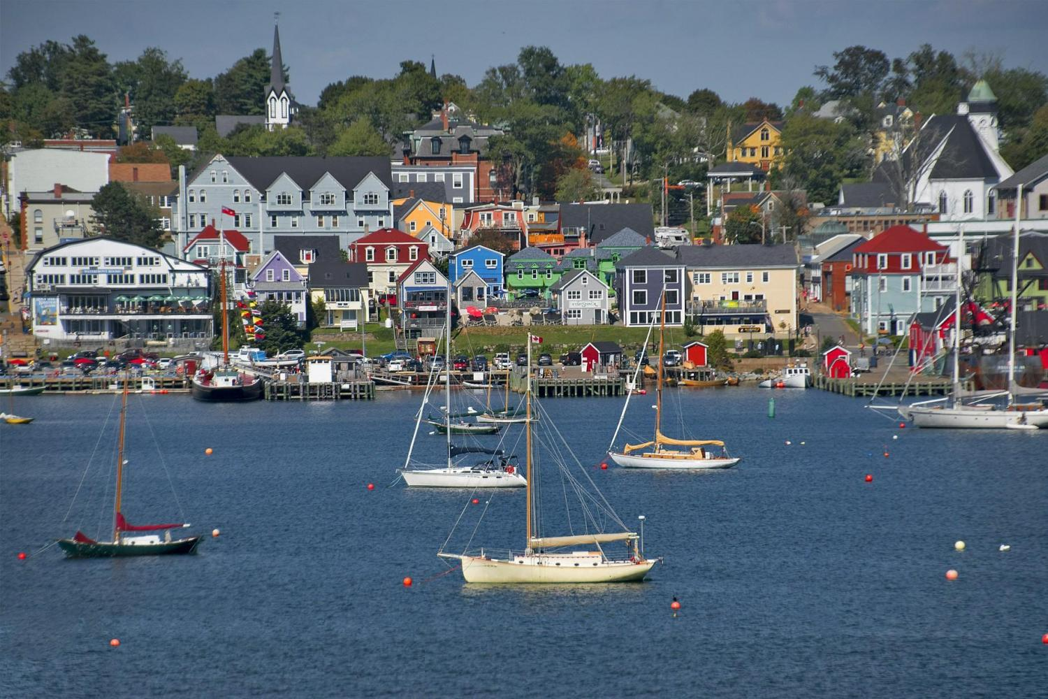 Lunenburg and Mahone Bay Tour