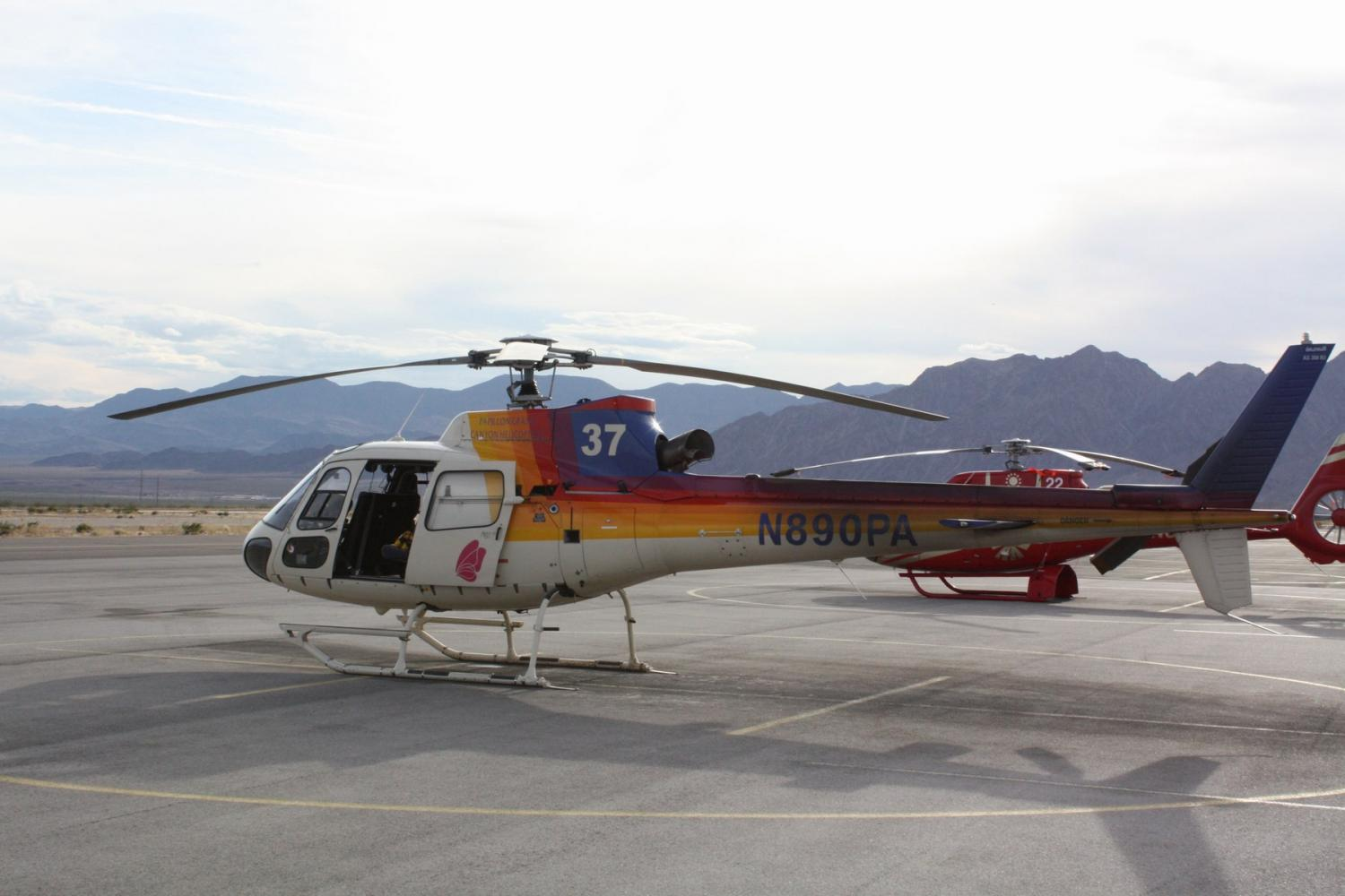 Grand Canyon South Rim Tour by Luxury Limo Van with Helicopter Ride