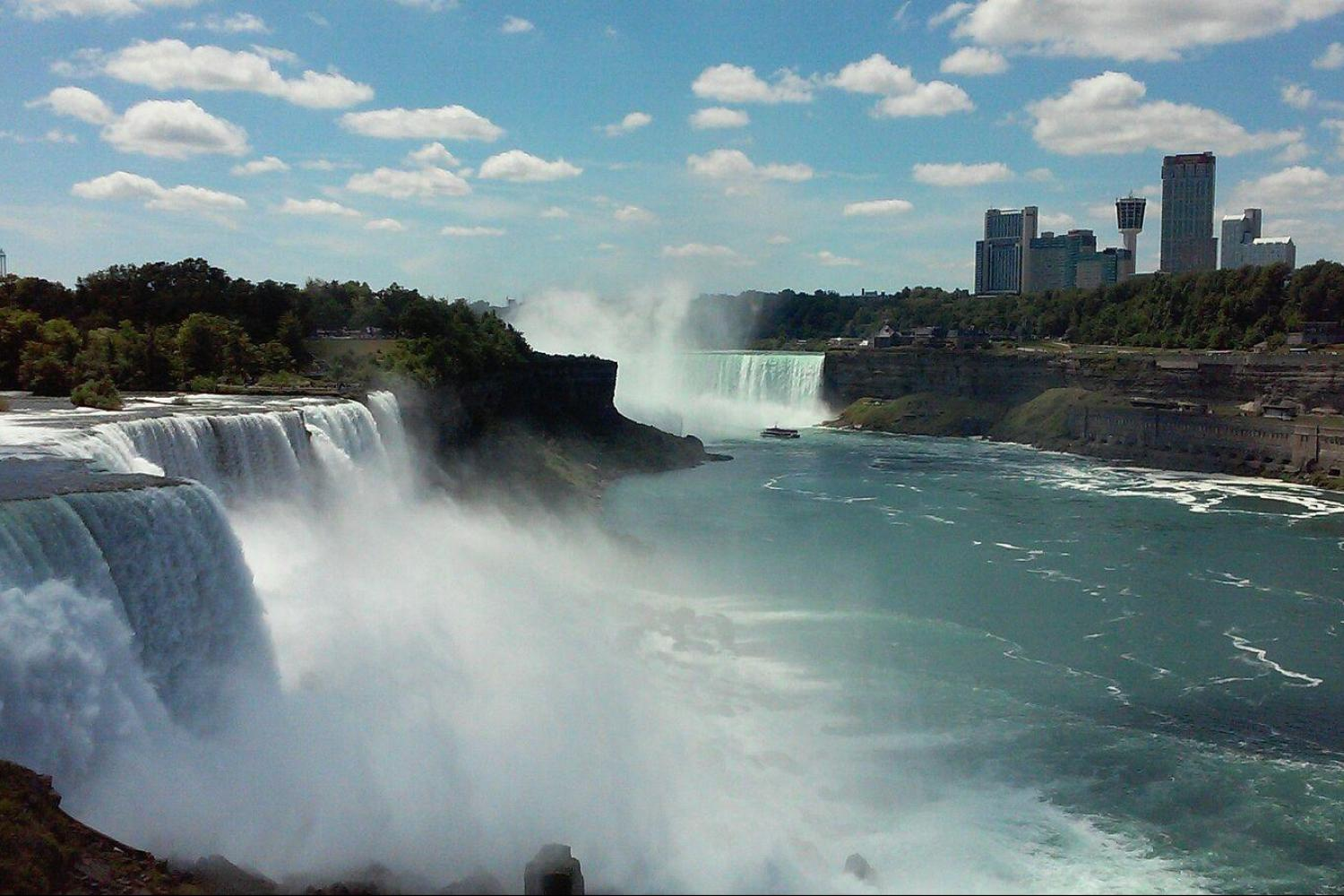 Experience all the beauty of nature's majestic rainbow factory, Niagara Falls