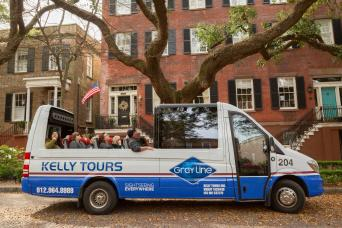 90 Minute Convertible Sprinter 360° Panoramic Tour of Savannah's Historic and Victorian Districts