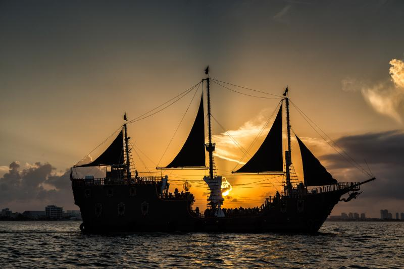 Jolly Roger Pirate Show Sunset
