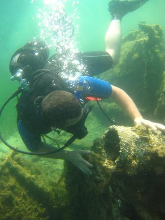 Discovering the shipwreck