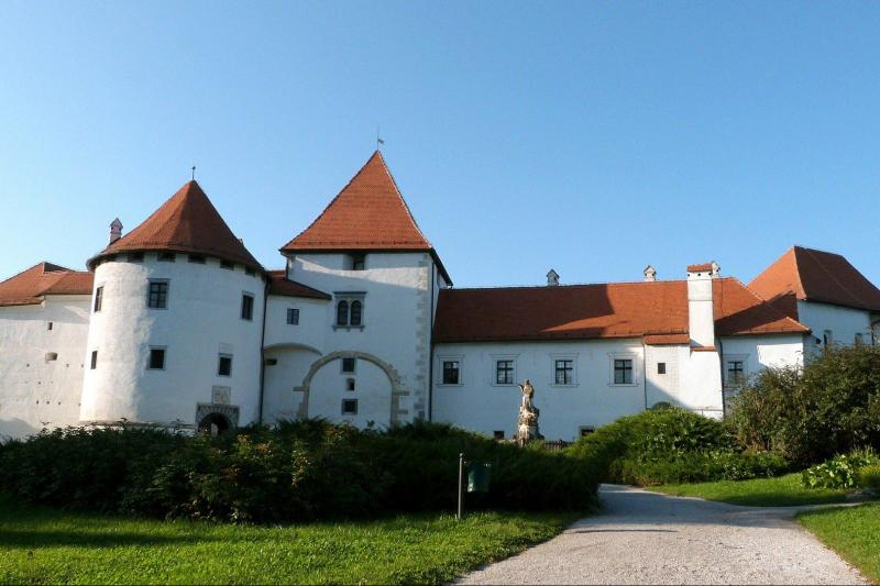 From castle to castle, passing the beauty of the Drava and Danube rivers