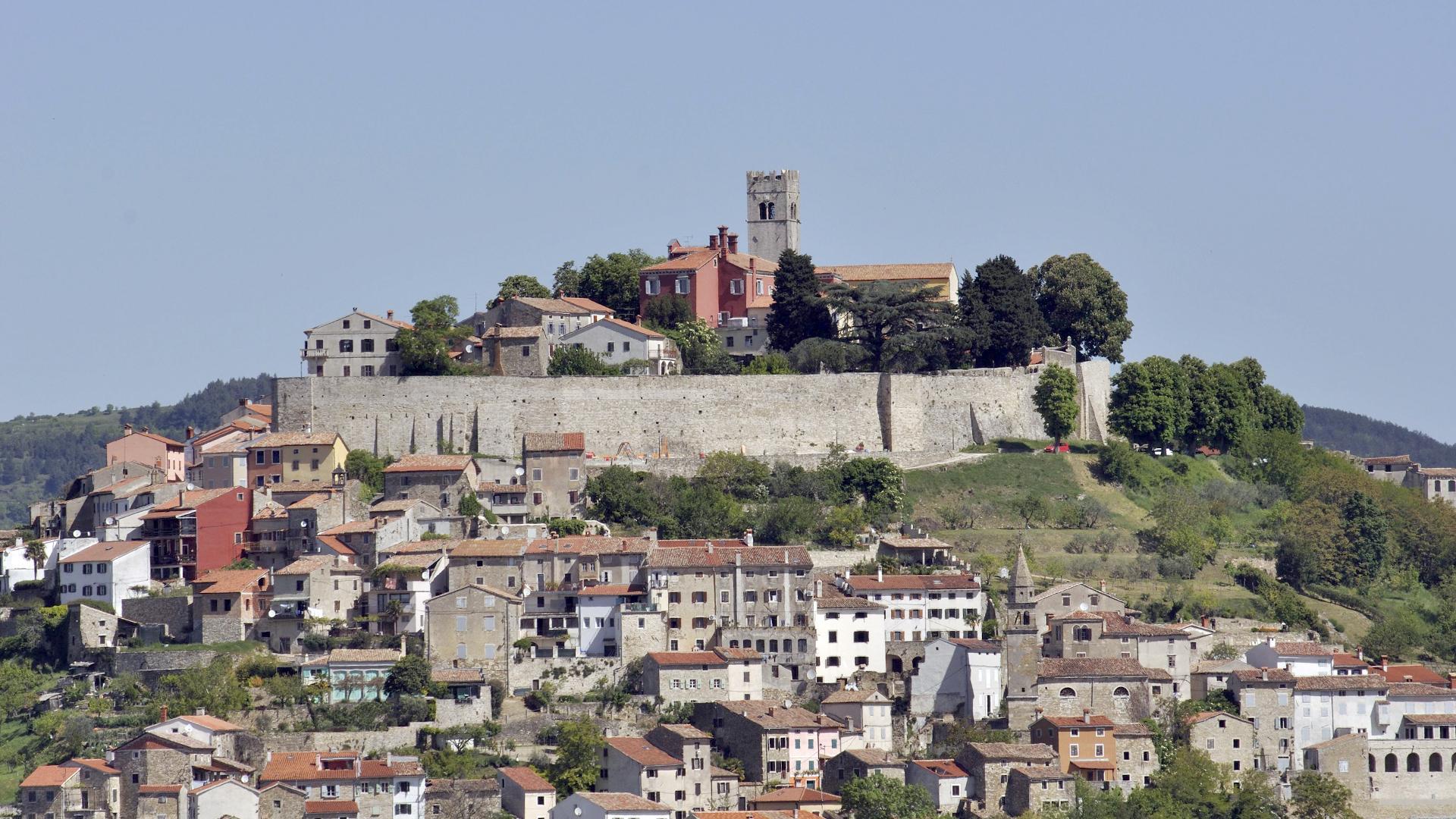Istarski srednjovjekovni gradići