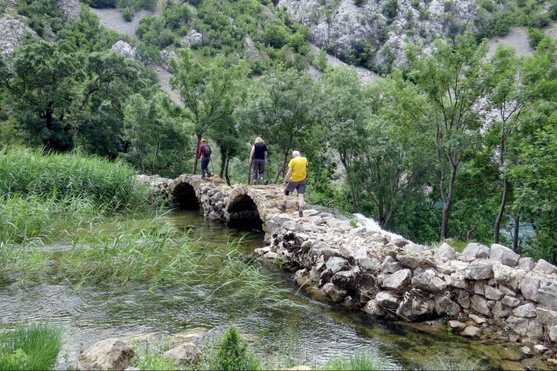 Zapanjujuća mreža vodopada i jezera