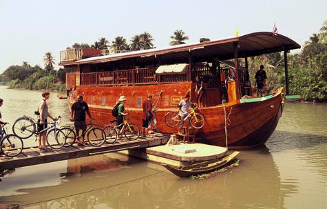 Rice barge on the Chao Phraya River, Bangkok, Thailand