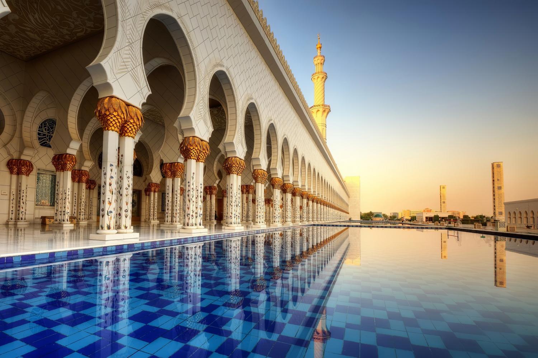 Afbeeldingsresultaat voor abu dhabi grand mosque