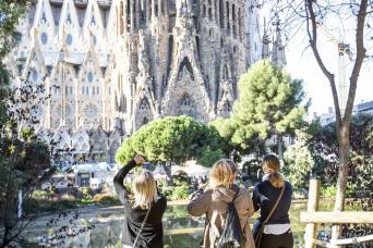 Fast Track Guided Tour Sagrada Familia
