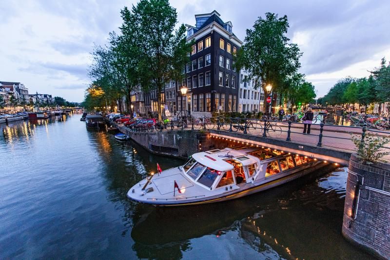 A family-friendly cruise down Amsterdam's canals