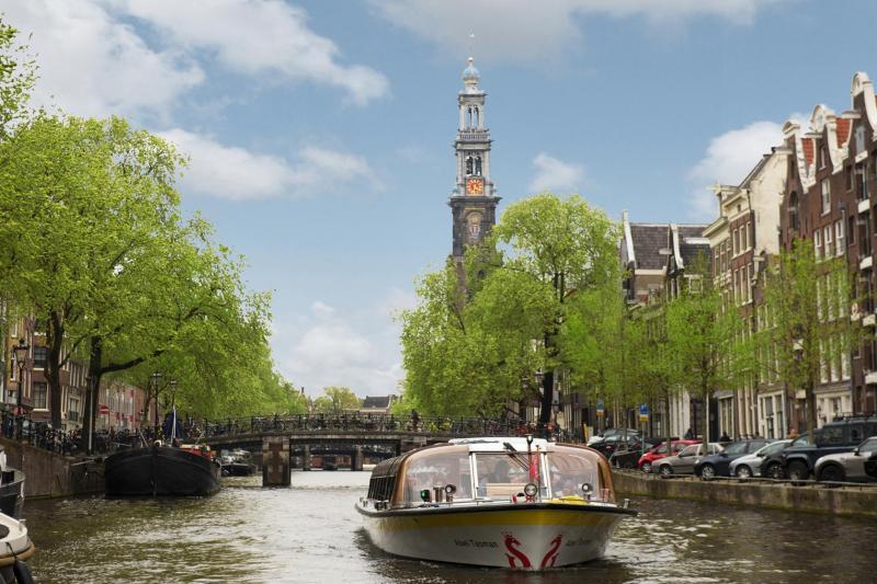 Enjoy Amsterdam's treasures in just 1 hour