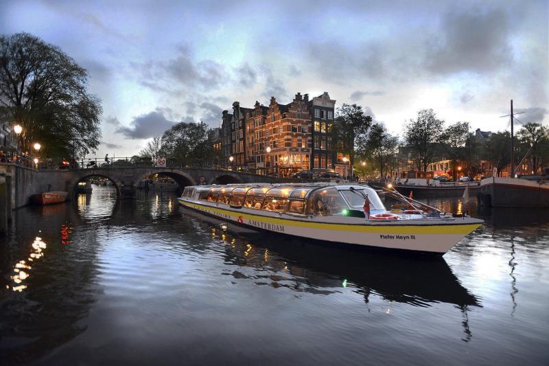 Tuck in to the best Amsterdam cuisine!
