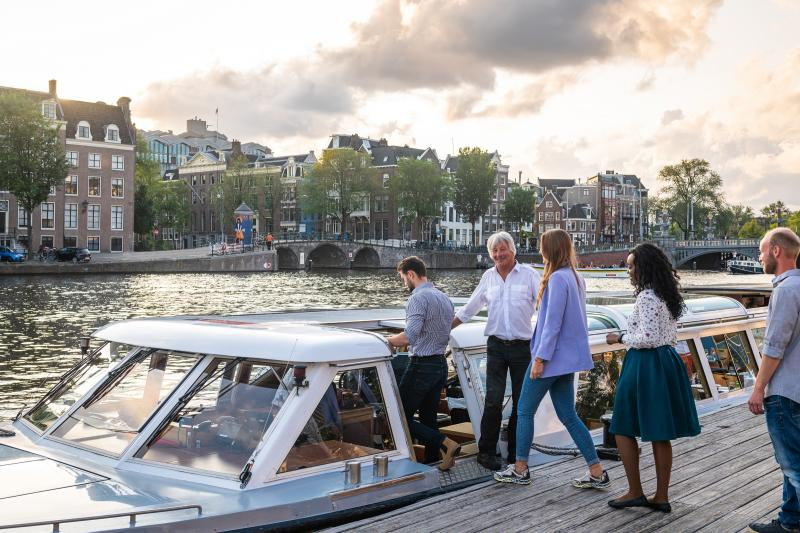This cruise is operated by Canal Tours Amsterdam. A Stromma brand