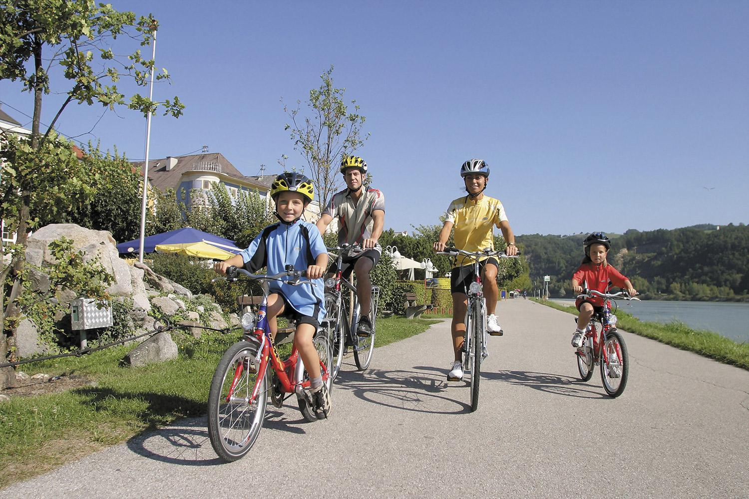 Fun for all the family with easy and flat cycling along the Blue Danube