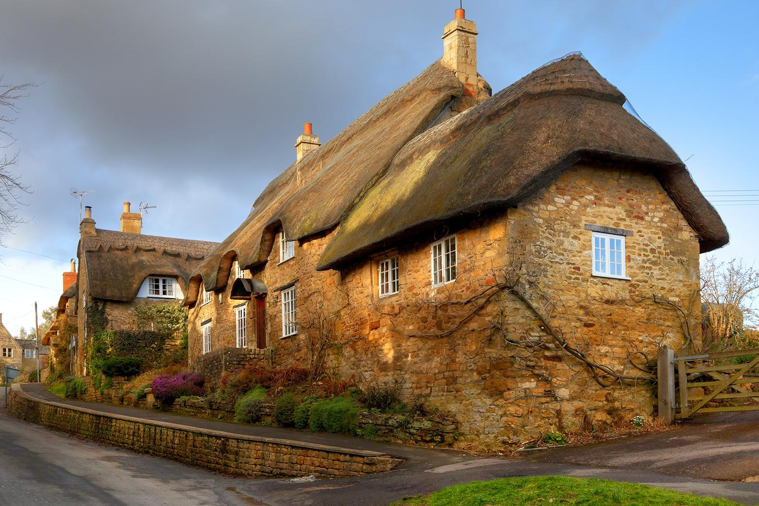Honey-coloured thatched cottages