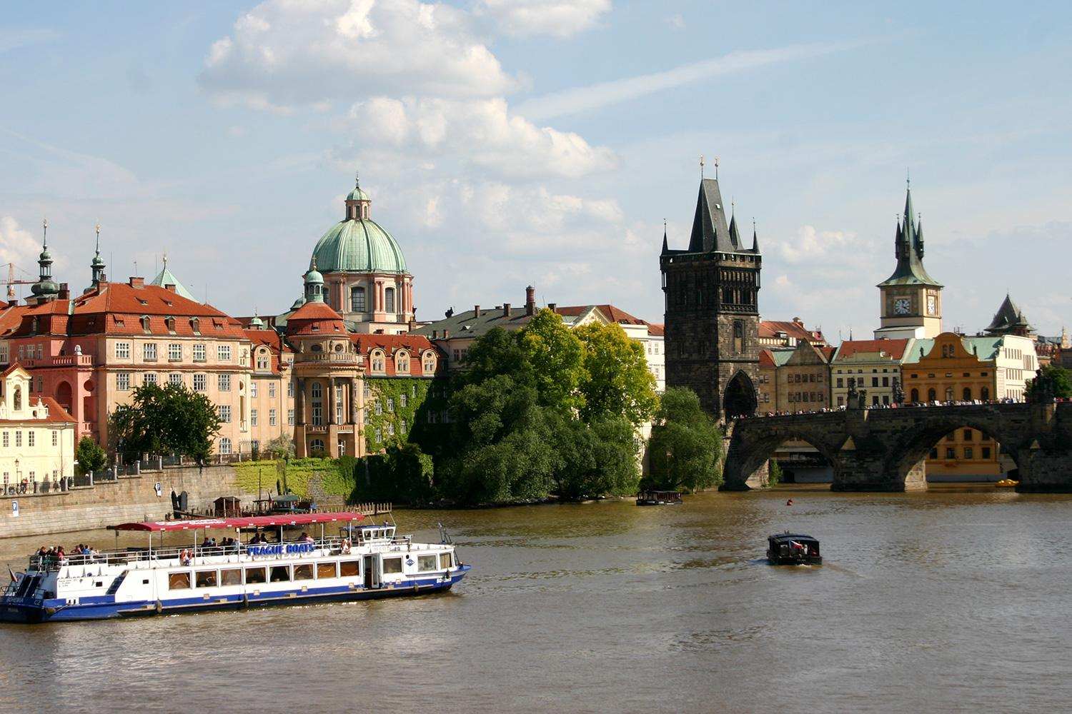 Follow the Elbe Cycle Path from Prague to Dresden