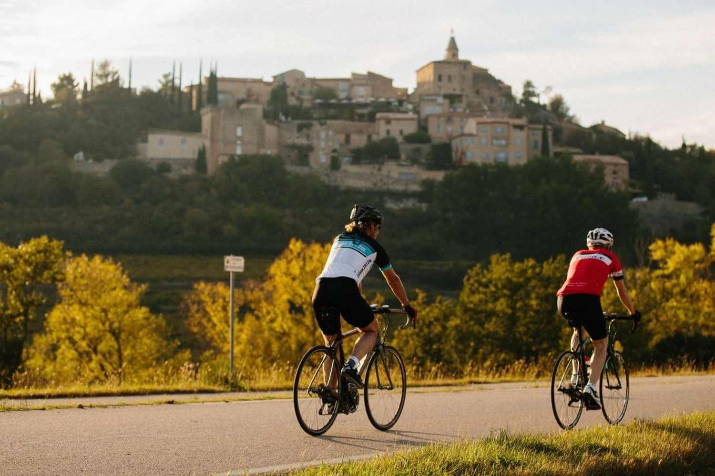 Cycling towards Crillon le Brave