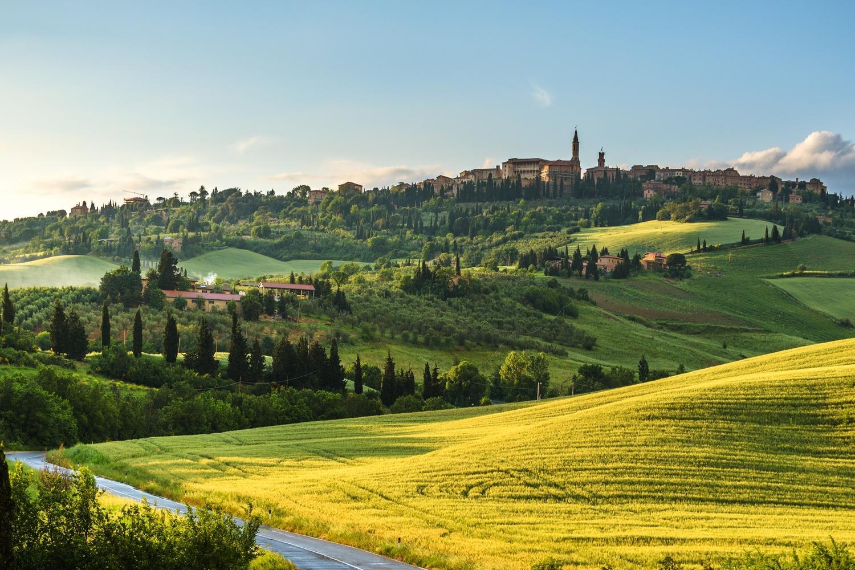 Sweeping Tuscan Roads & Montepulciano Vineyards