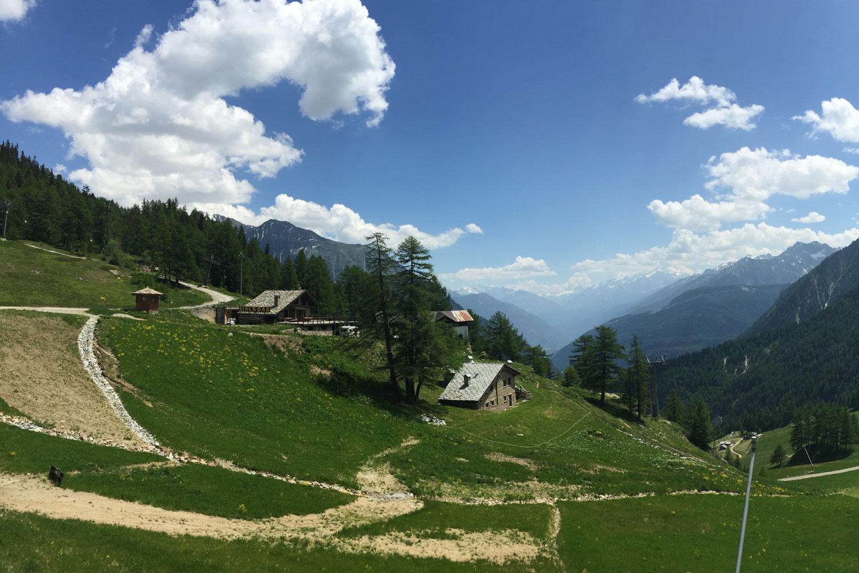 Fantastic Alpine views near Plan Checrouit
