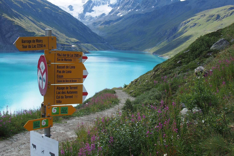 Explore Lac de Moiry reservoir