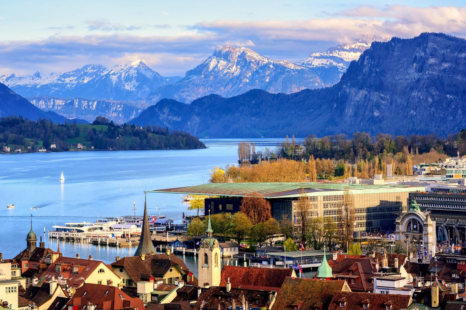 Lucerne's Lakes and Mountains Walking Holiday