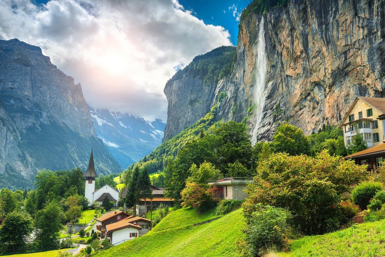 The picturesque Lauterbrunnen valley