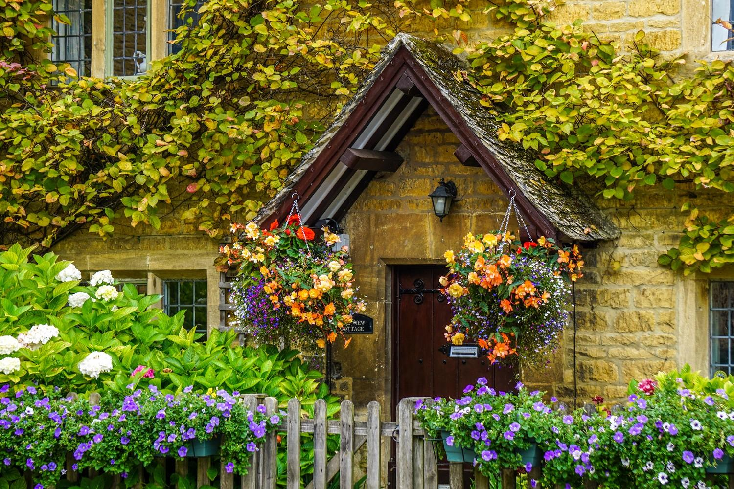 Self-guided walking holiday England: Cotswolds Escape