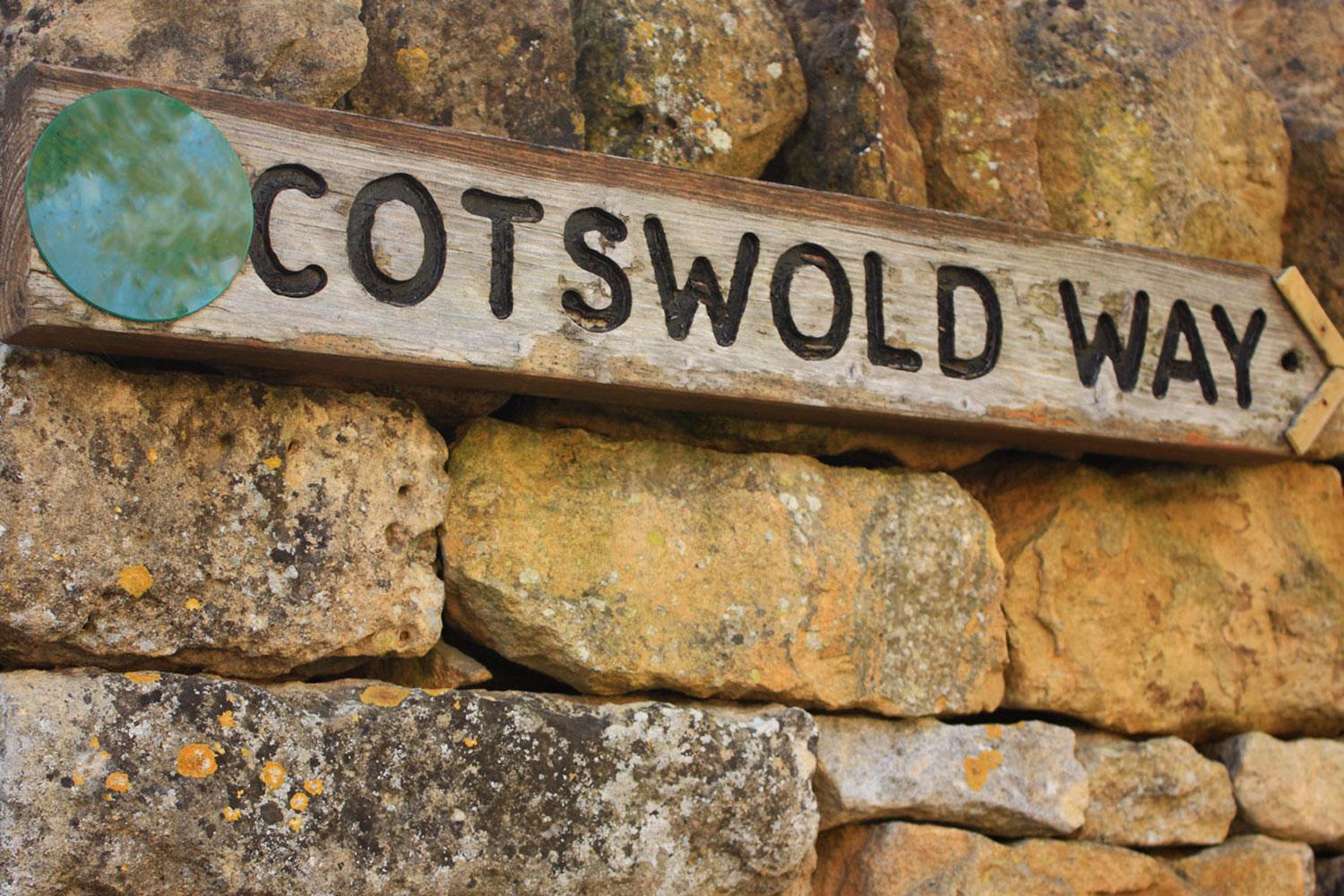 Cotswold Way way marking