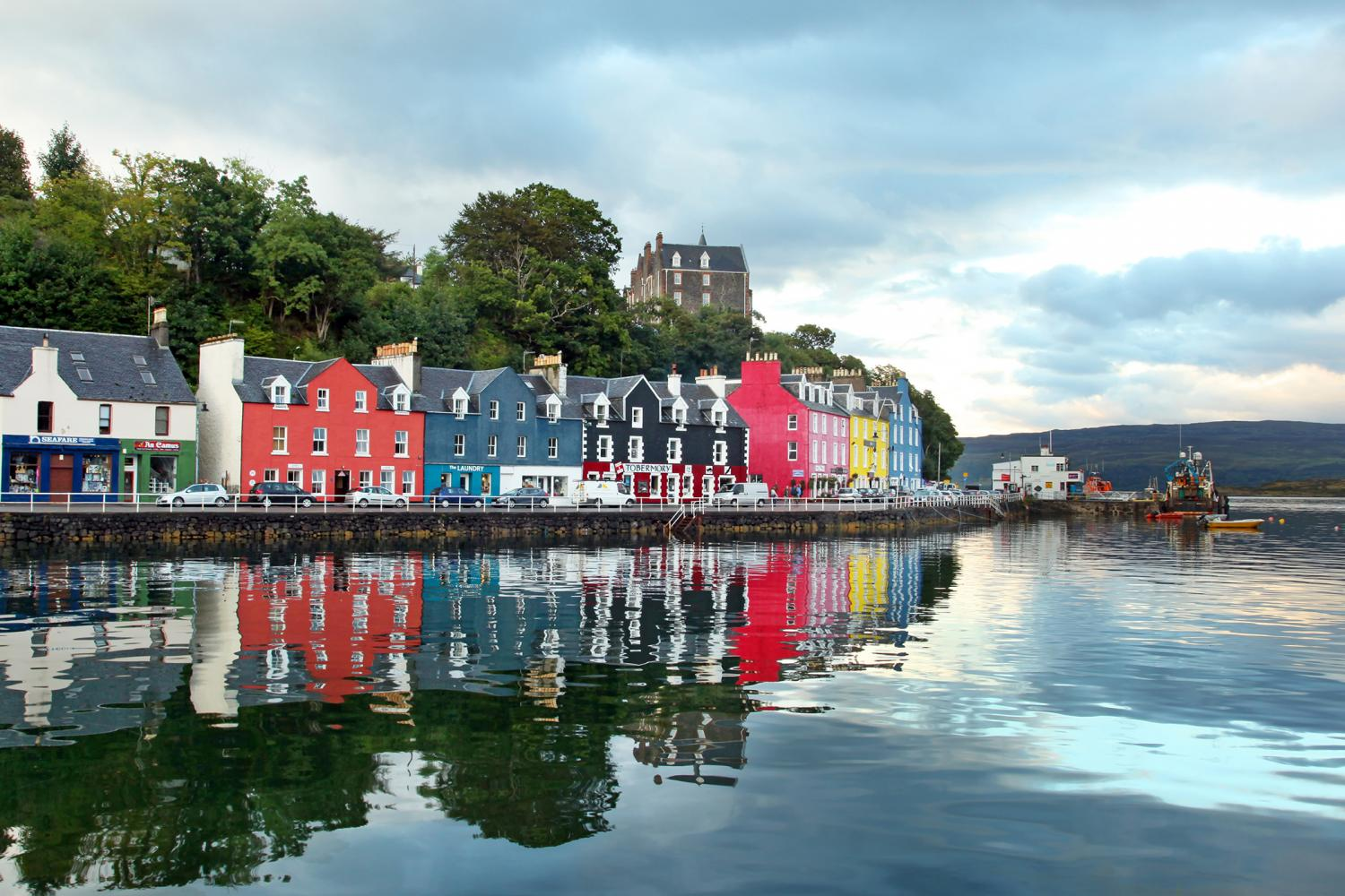 Picture-postcard Tobermory on the Mull and Iona walking holiday