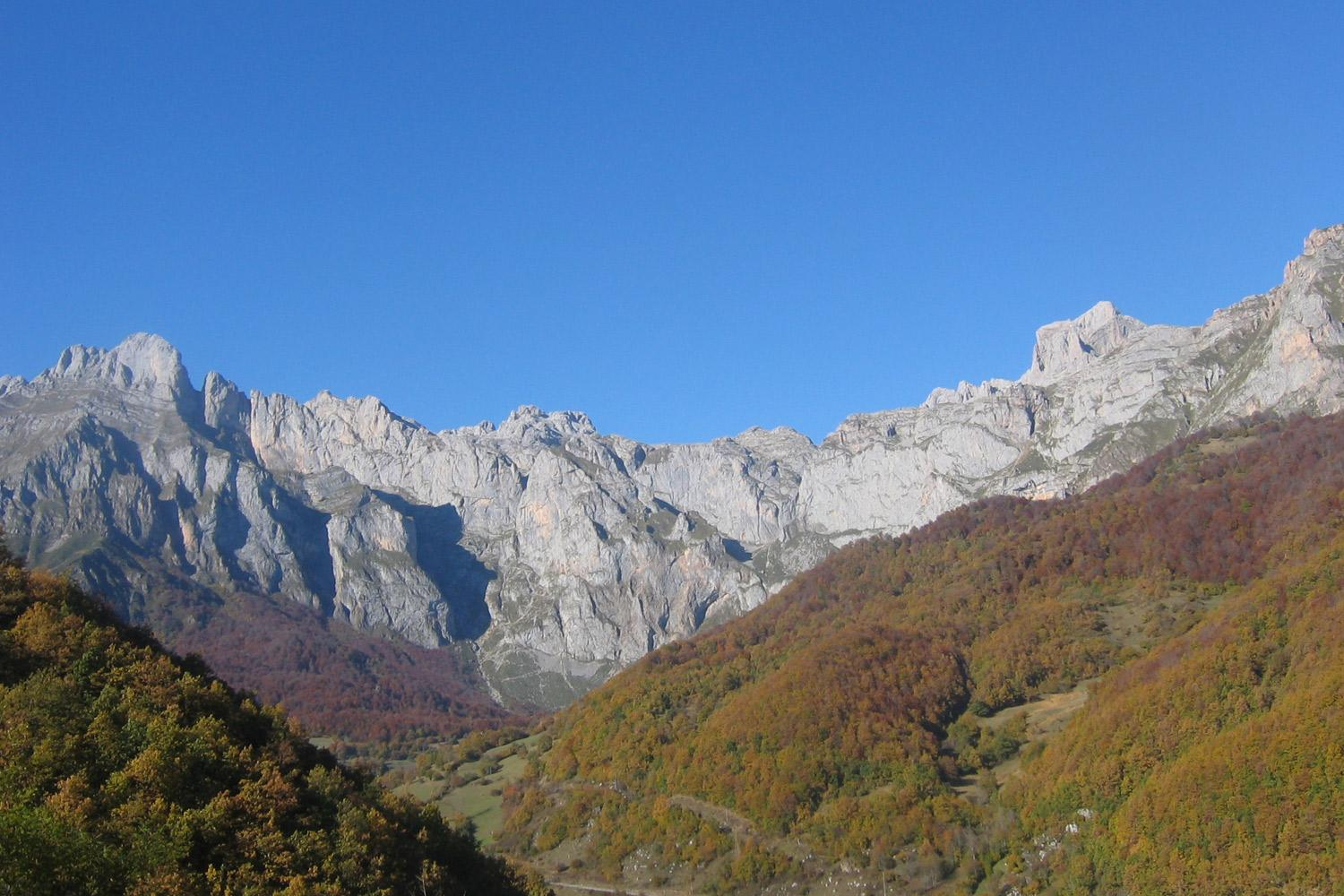 Self-guided hiking vacation in the Picos de Europa