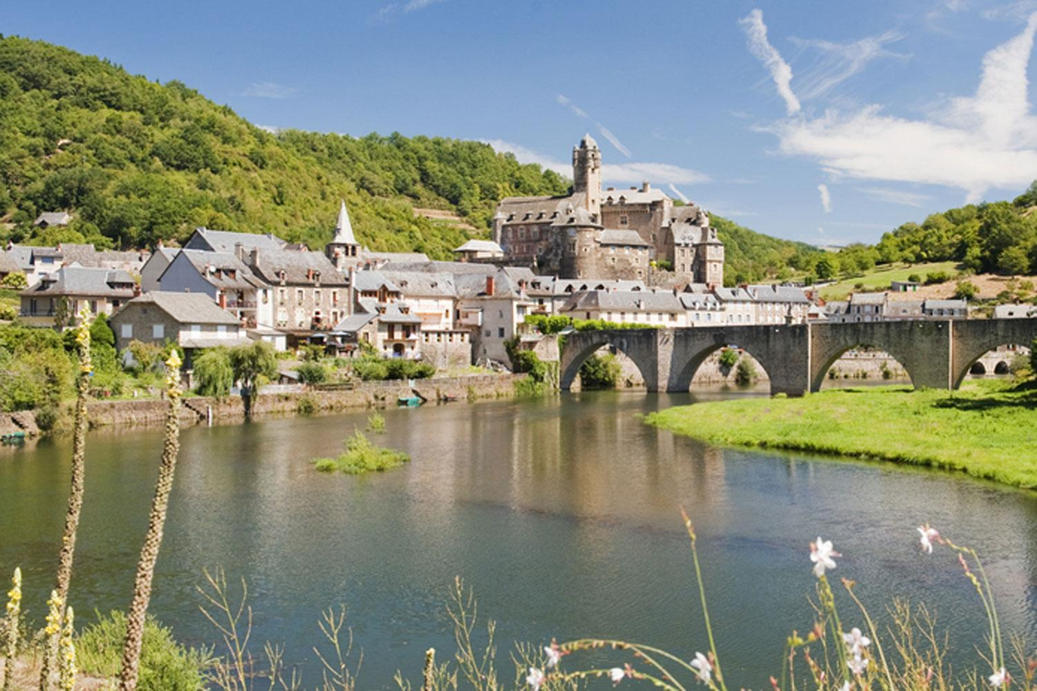 Estaing, with its Gothic bridge