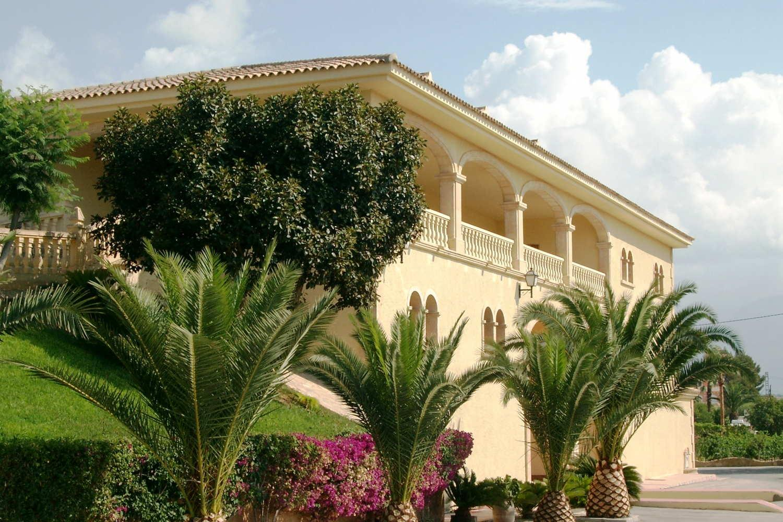 Visita a Bodegas Enrique Mendoza - Alfaz del Pi
